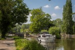 Approaching north side of Sonning Lock.