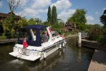 South side of Sonning Lock.