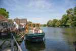 Pangbourne - view west past the Swan Inn.